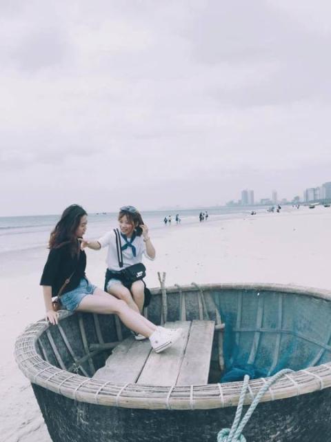 Cô gái 22 tuổi, nhất định phải đến Đà Nẵng cùng đứa bạn thân