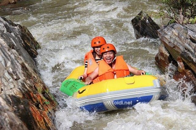 Trải nghiệm khu trượt thác duy nhất tại Việt Nam – khu du lịch sinh thái Hòa Phú Thành
