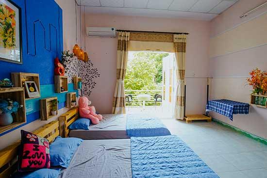 CS2-Phòng Family nhỏ 2 giường có ban công